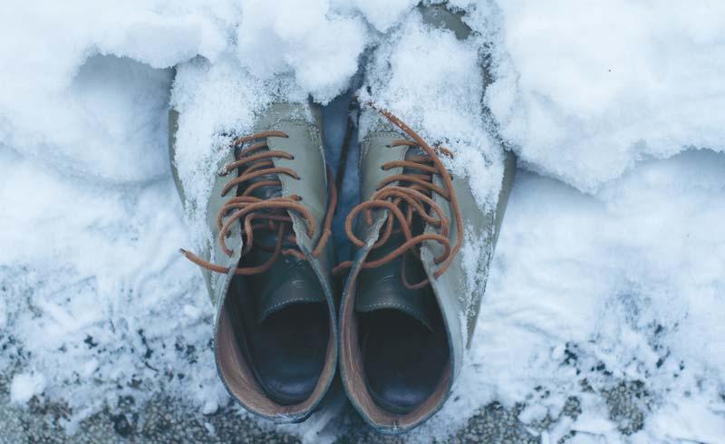 papuci de piele cu zapada