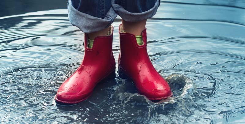 papuci rezistenti la apa